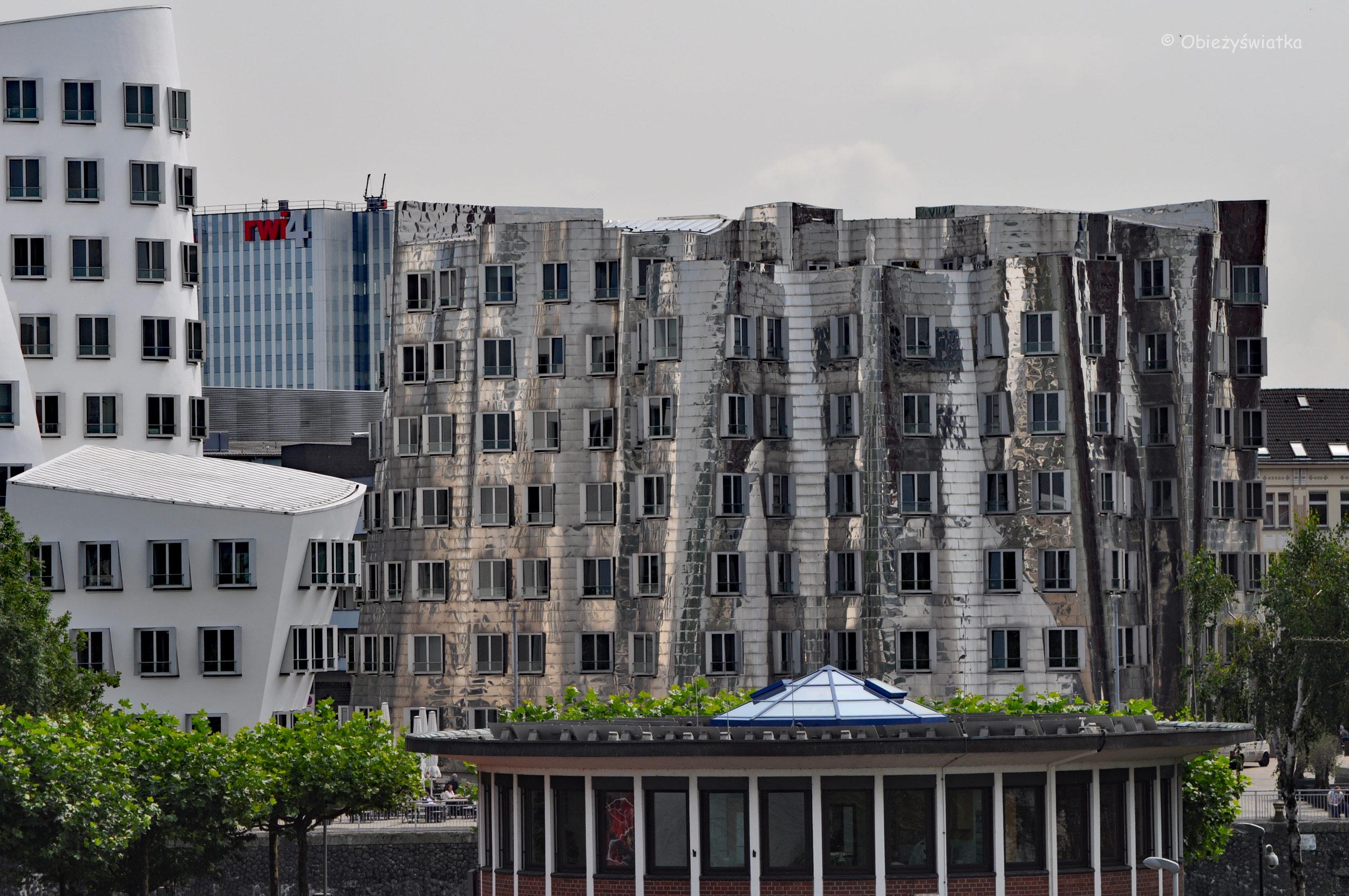 Neuer Zollhof - budynki Franka Gehry'ego w Düsseldorfie
