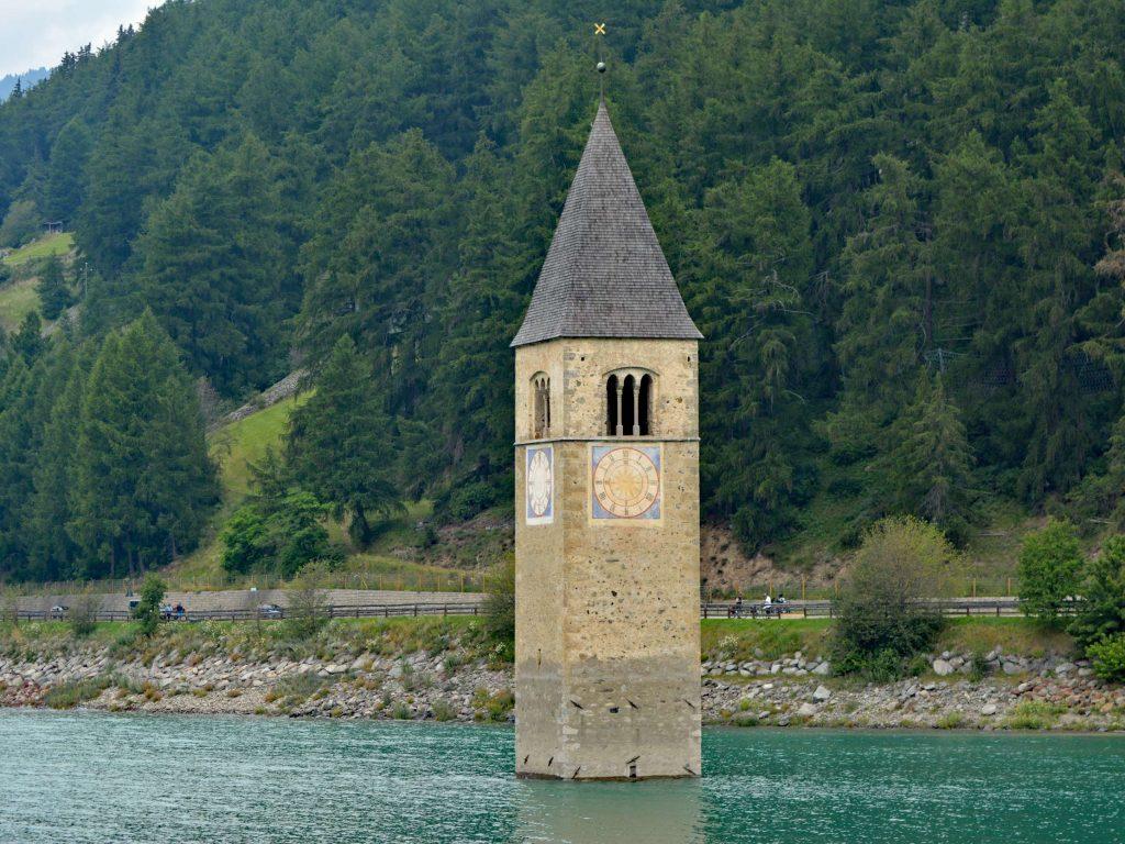 Wieża w Jeziorze Reschen