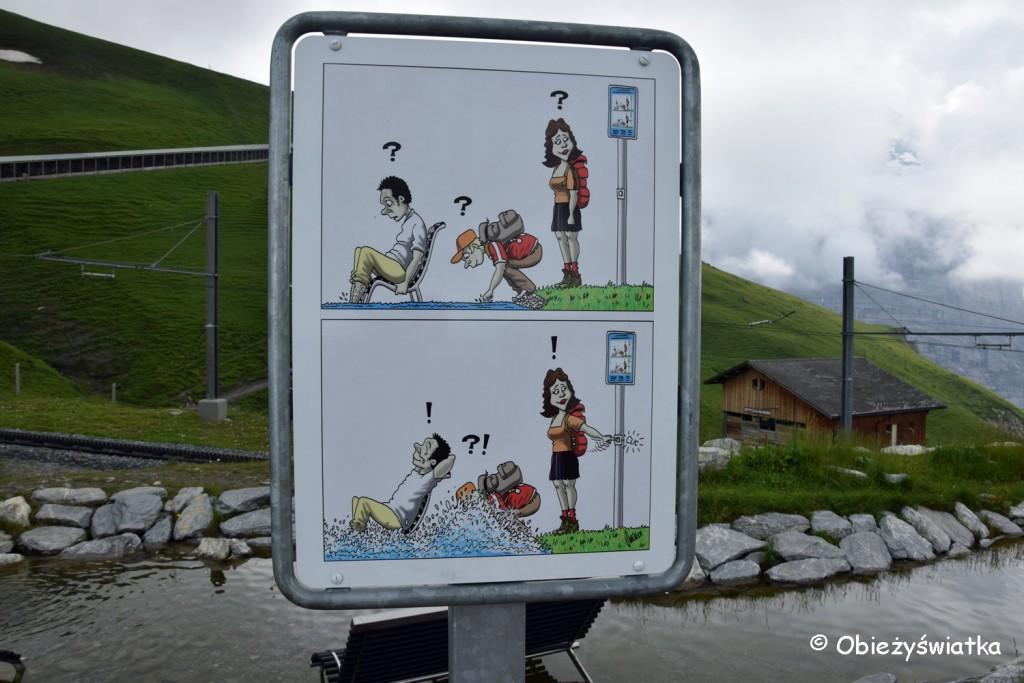 Jezioro Fallbodensee z bąbelkami - wystarczy nacisnąć przycisk i woda zaczyna pryskać ;)