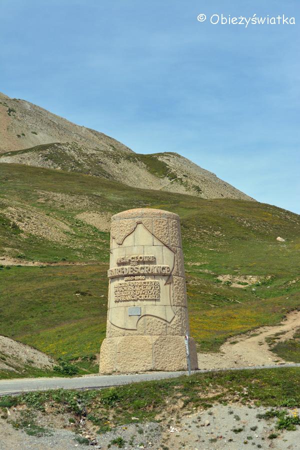 Col du Galibier - pomnik upamiętniający kolarza i pomysłodawcę Tour de France - H. Desgrange