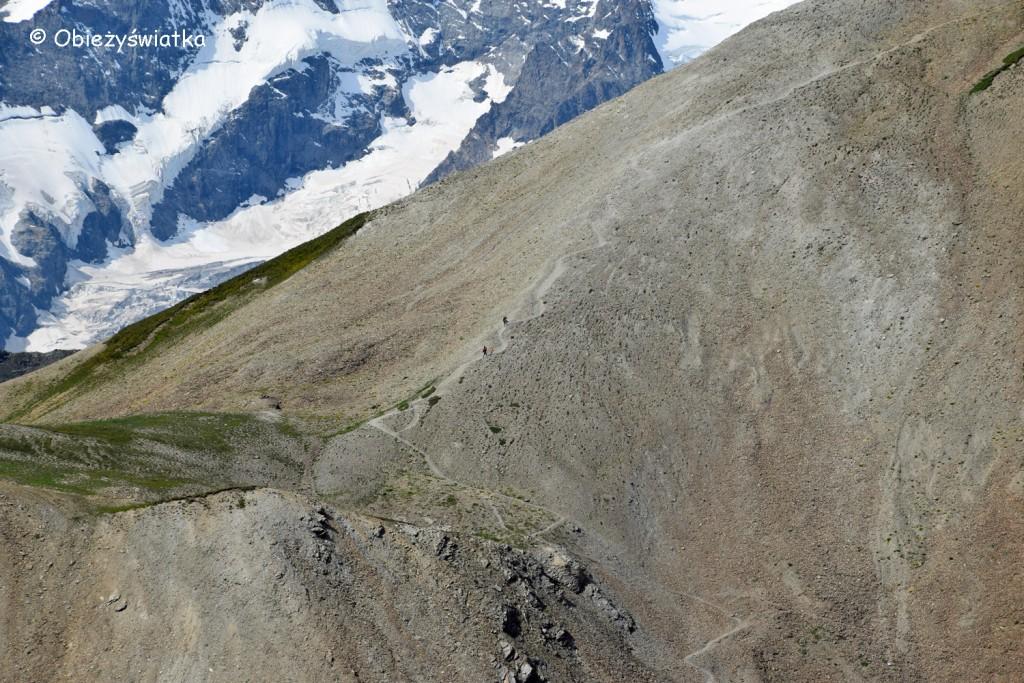Wędrując po Col du Galibier, Alpy, Francja