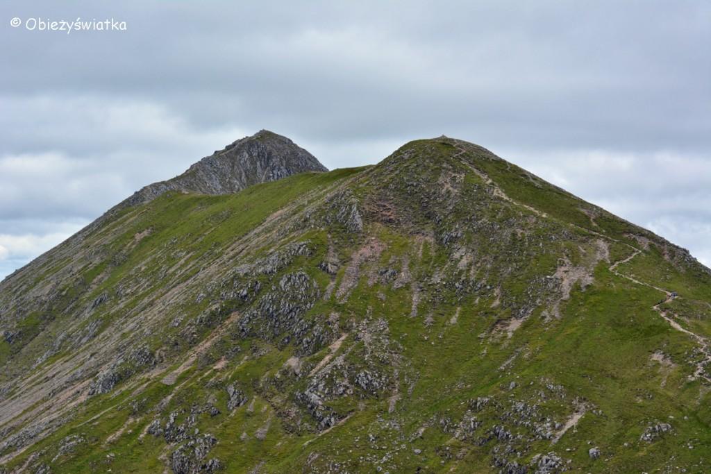 Widok ze szczytu Stob Coire Raineach na szczyt Stob Dubh, Szkocja