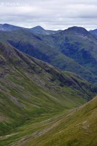 Widok ze szczytu Stob Coire Raineach, Szkocja