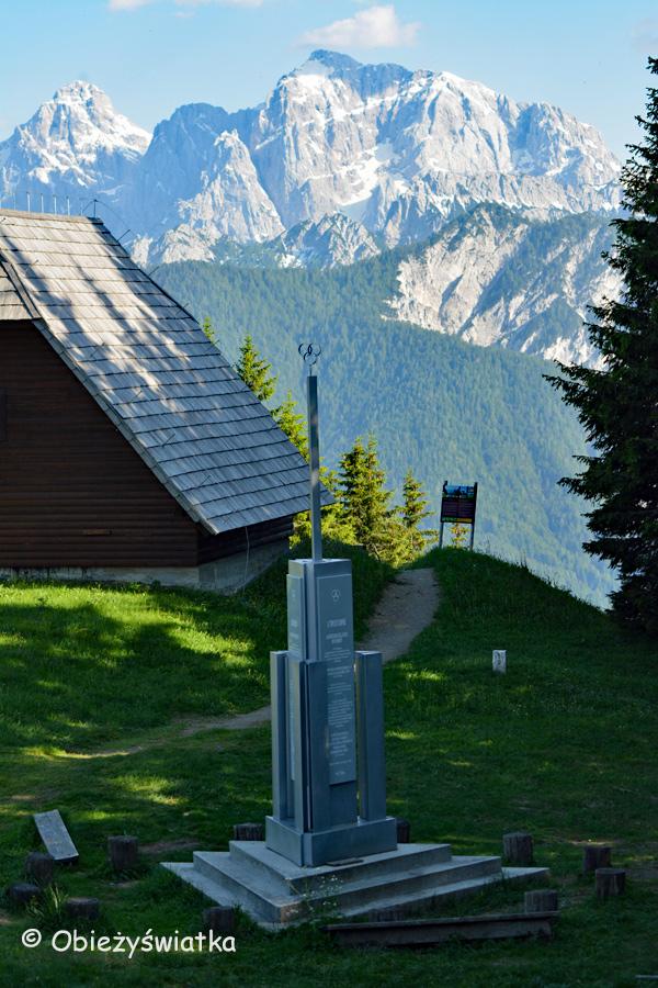 Monument na trójstyku słoweńsko-austriacko-włoskim - widok na stronę słoweńską