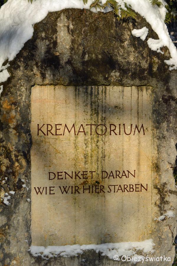 Pominik ku czci spalonych w krematorium na terenie byłego obozu KL Dachau