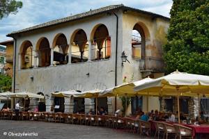 Obiad z widokiem na Jezioro Garda