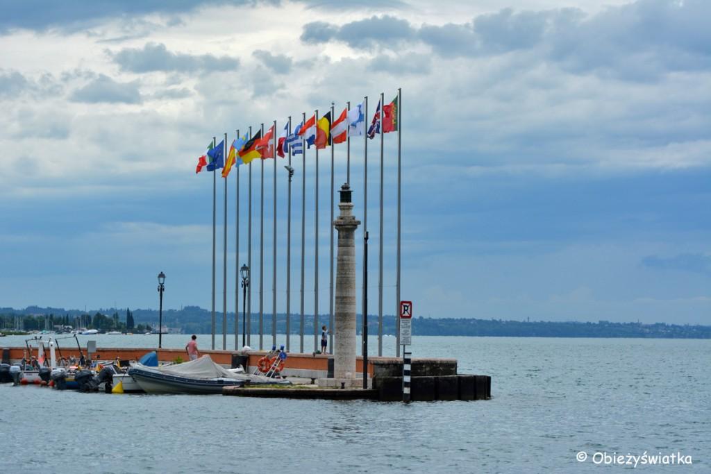 Flagi na Jeziorze Garda
