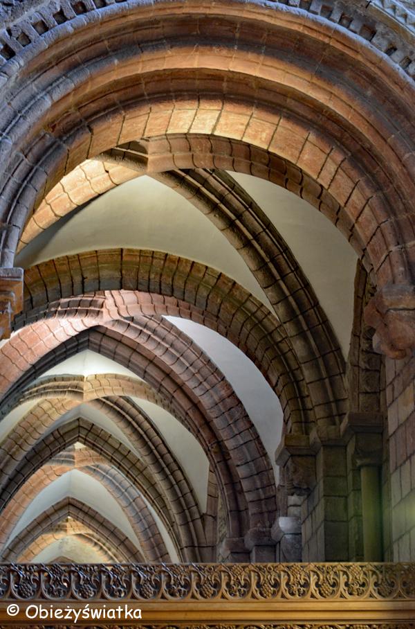 Jedna z naw bocznych - Katedra św. Magnusa w Kirkwall, Orkady, Szkocja