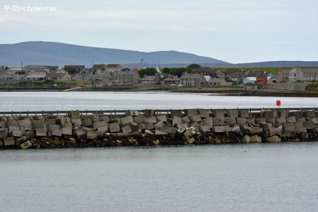 Bariery Churchilla na Orkadach w zatoce Scapa Flow