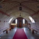 Wnętrze Włoskiej Kaplicy/Italian Chapel na Orkadach - widok od ołtarza
