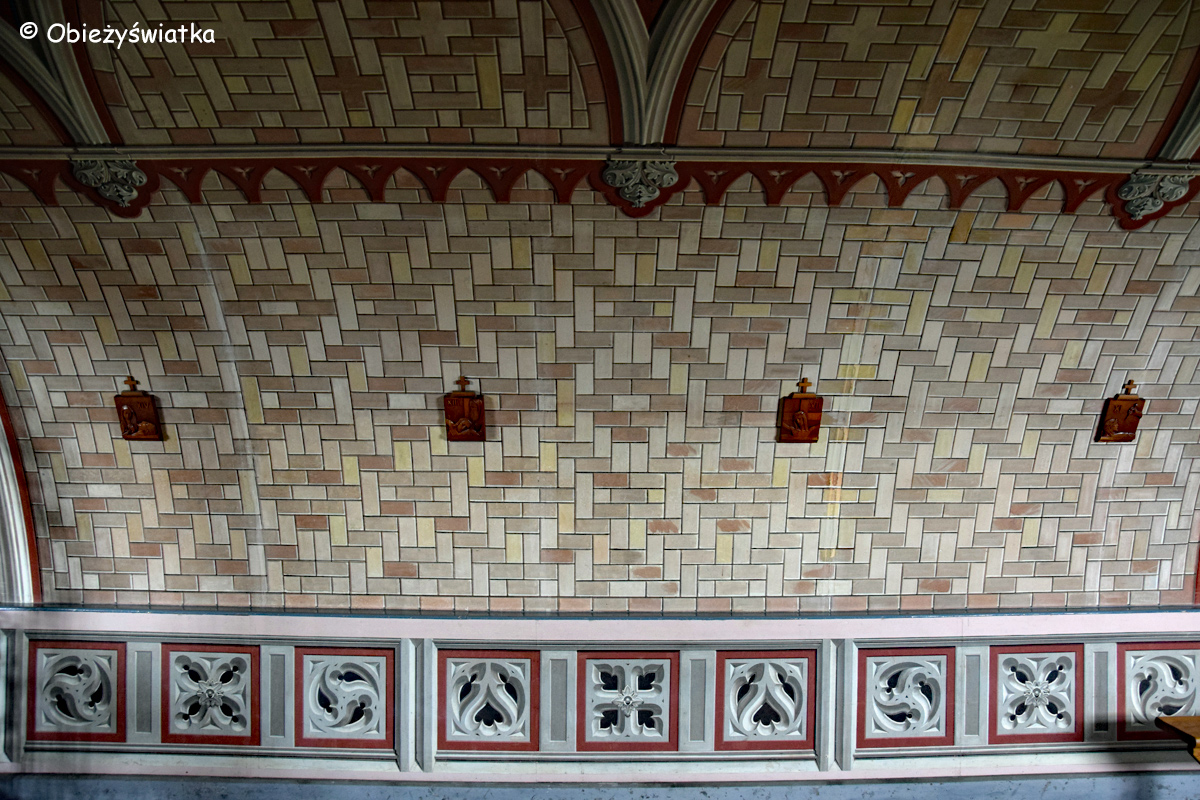 Wnętrze Włoskiej Kaplicy/Italian Chapel na Orkadach - malowane ściany