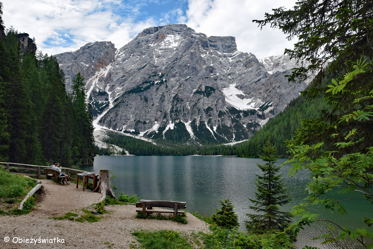 Dolomity, kryształowa woda - Pragser Wildsee / Lago di Braies, Tyrol Południowy