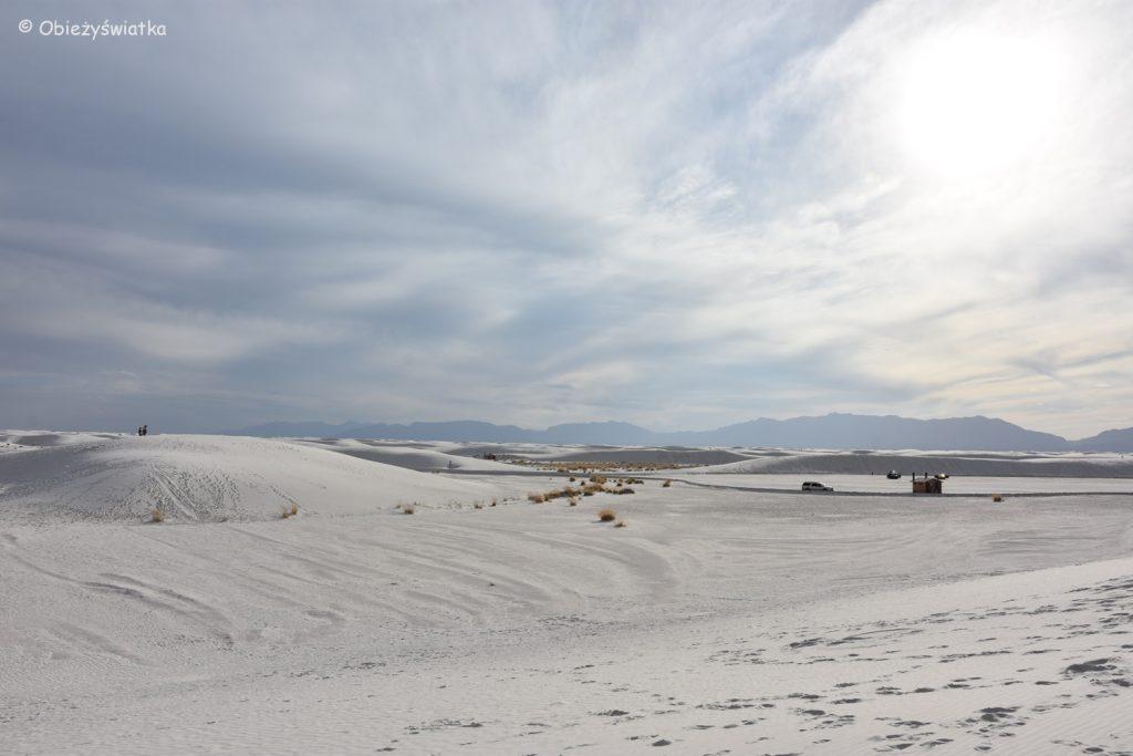 Piaszczysty krajobraz w White Sands National Monument, USA