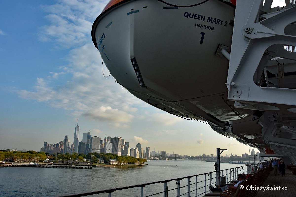 Widok na Manhattan z pokładu Quenn Mary 2, Nowy Jork, USA