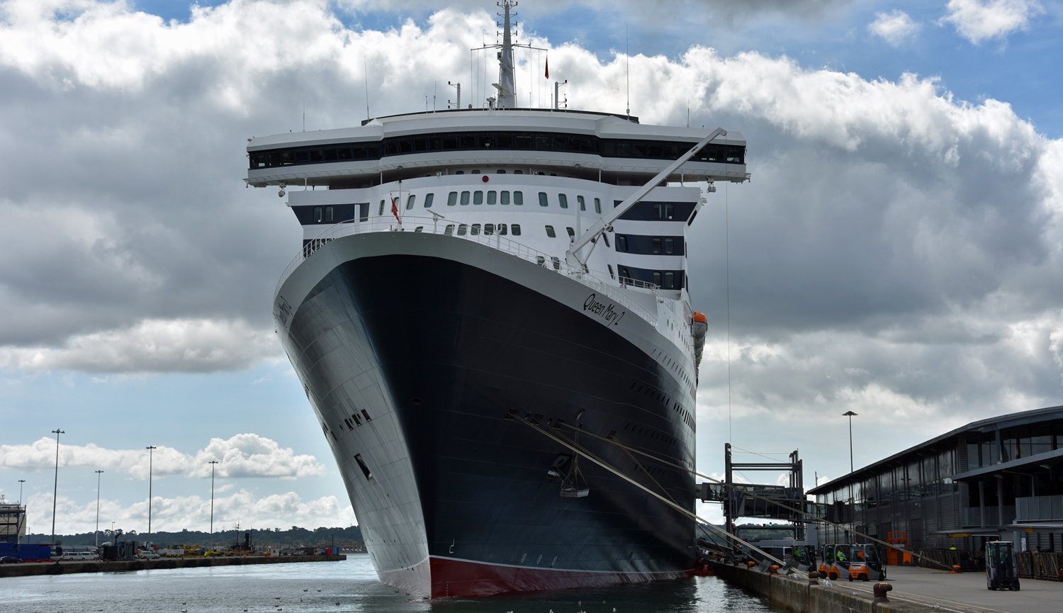 Queen Mary 2 w porcie