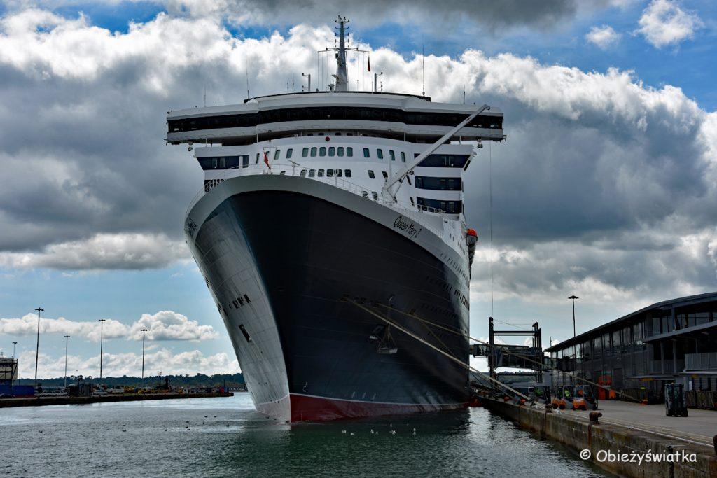 Quenn Mary 2 w porcie w Southampton, Wielka Brytania