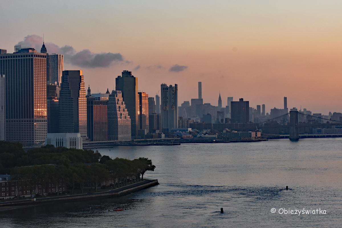 Wschód słońca na Manhattanie, Nowy Jork, USA