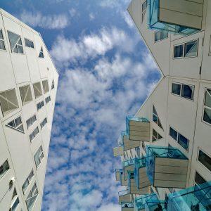 Isbjerget - przestrzeń między budynkami, Aarhus, Dania