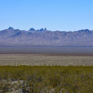 Pustynia Mojave - w oddali pociąg
