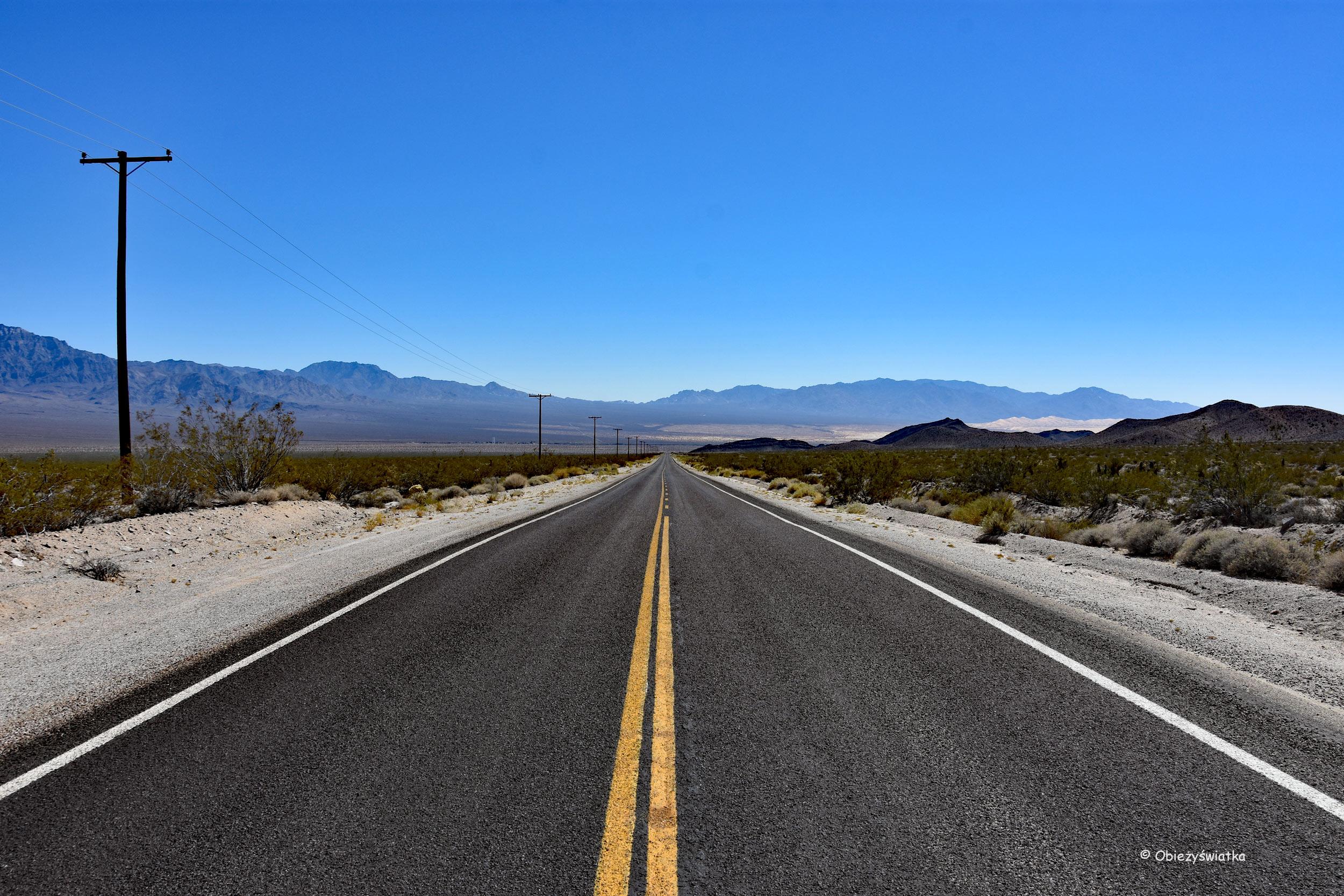 Pusta droga przez pustynię / Pustynia Mojave