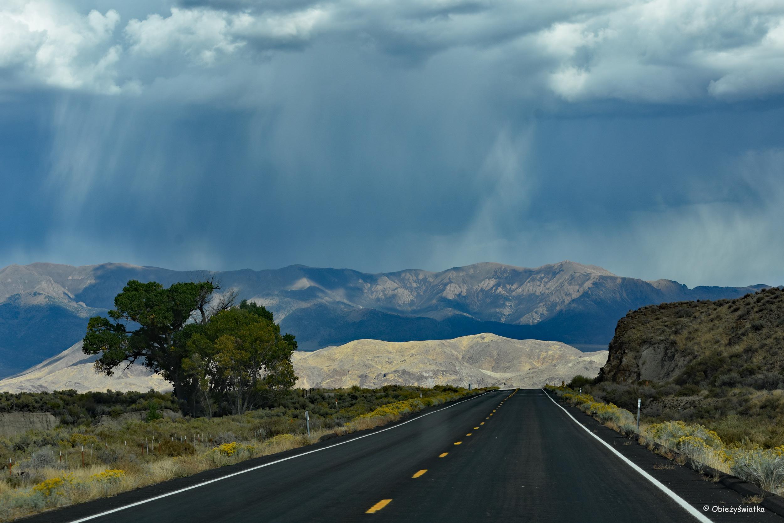 Najbardziej samotna droga USA -Highway 50, Nevada, USA