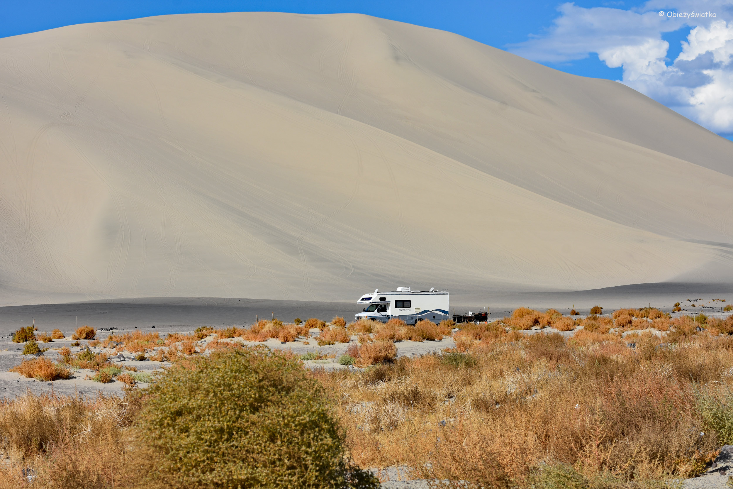 Kemping pod wydmami / Sand Mountain, Nevada