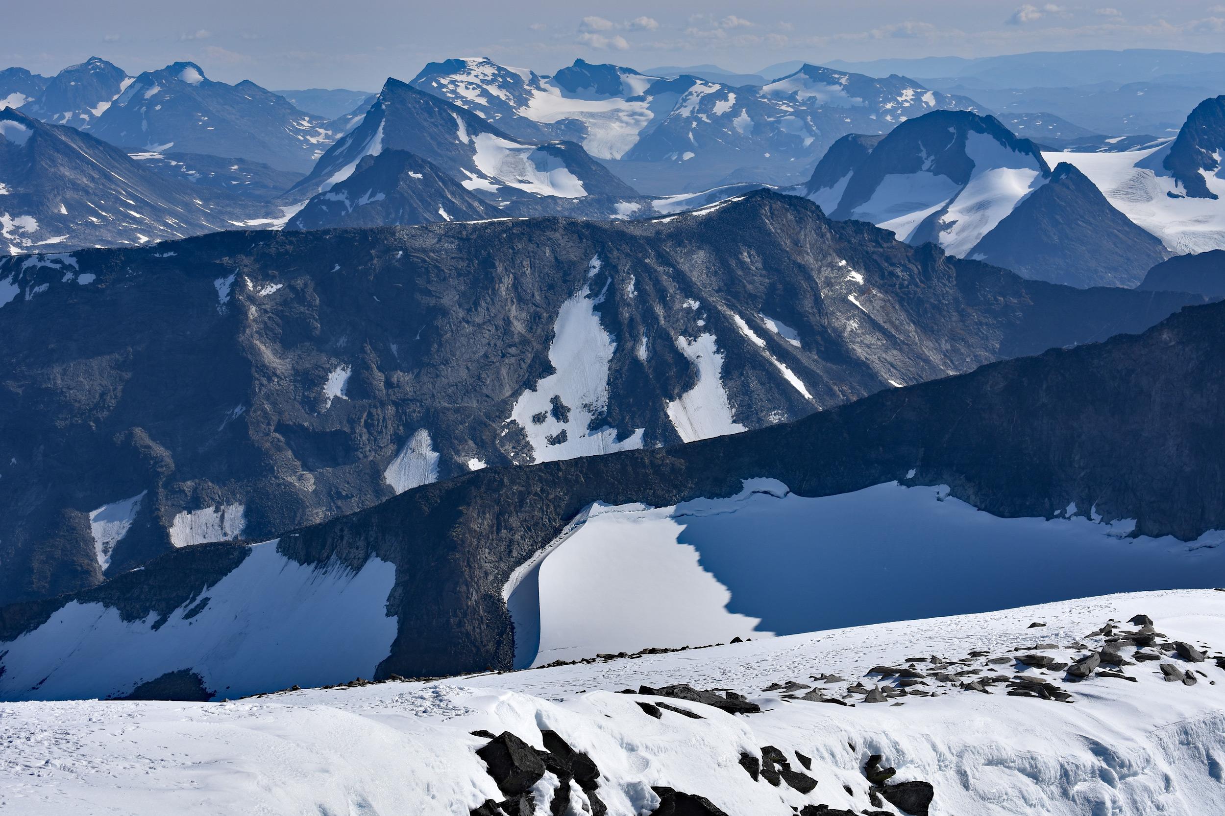 Jotunheimen widziane ze szlaku na Galdhopiggen