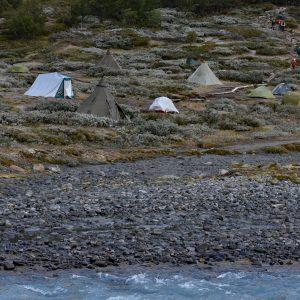 Pole namiotowe przy schronisku Spiterstulen