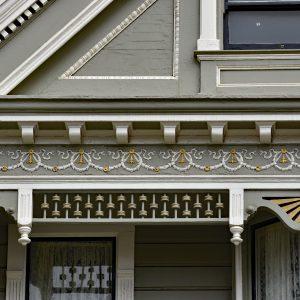 Detale fasady jednej z kamienic Painted Ladies