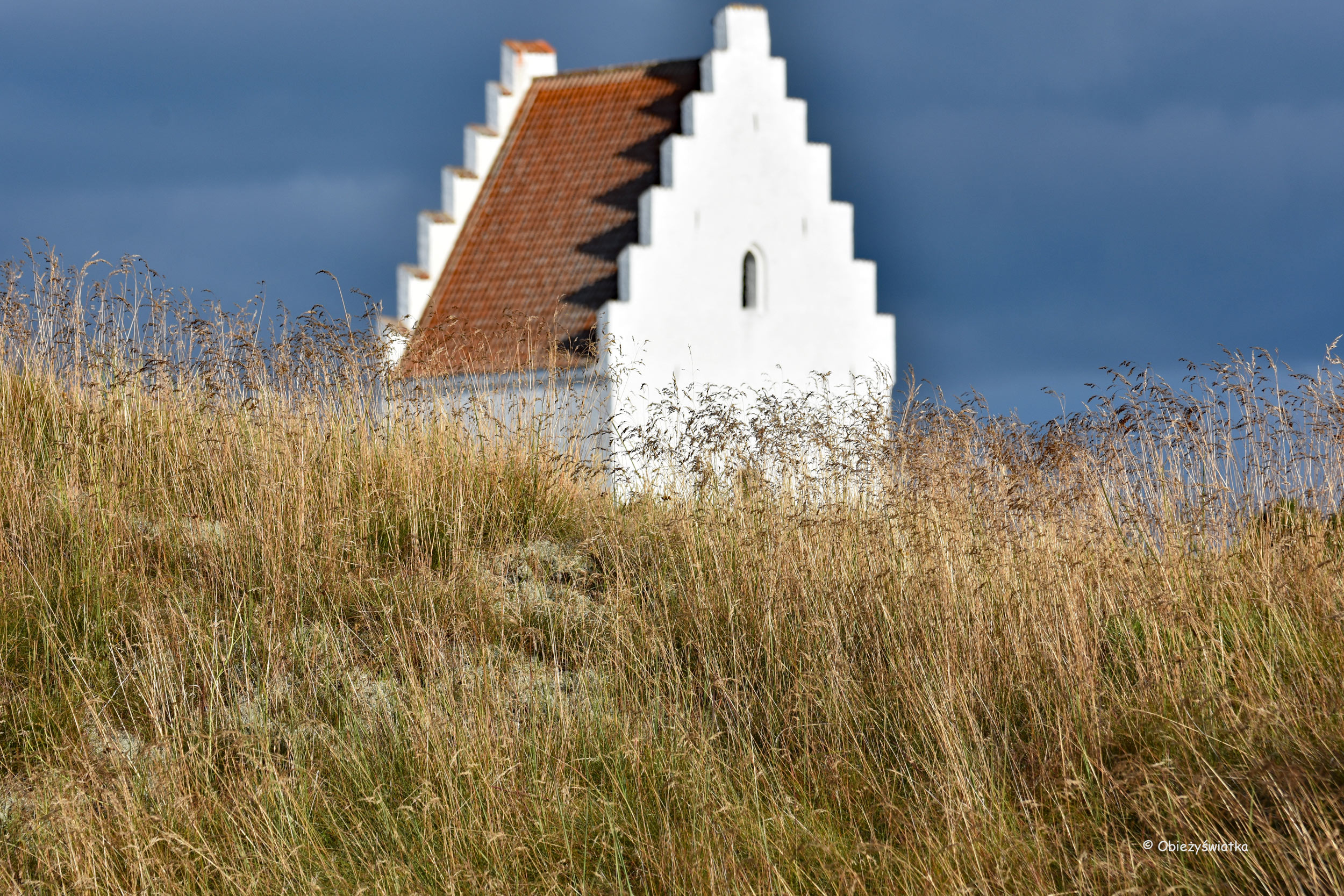 Zasypany piaskiem kościół w Skagen