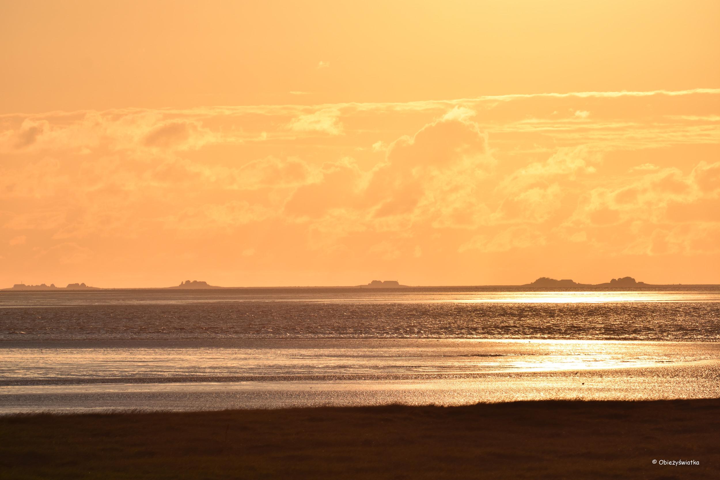 Morze Wattowe i Halligen o zachodzie słońca