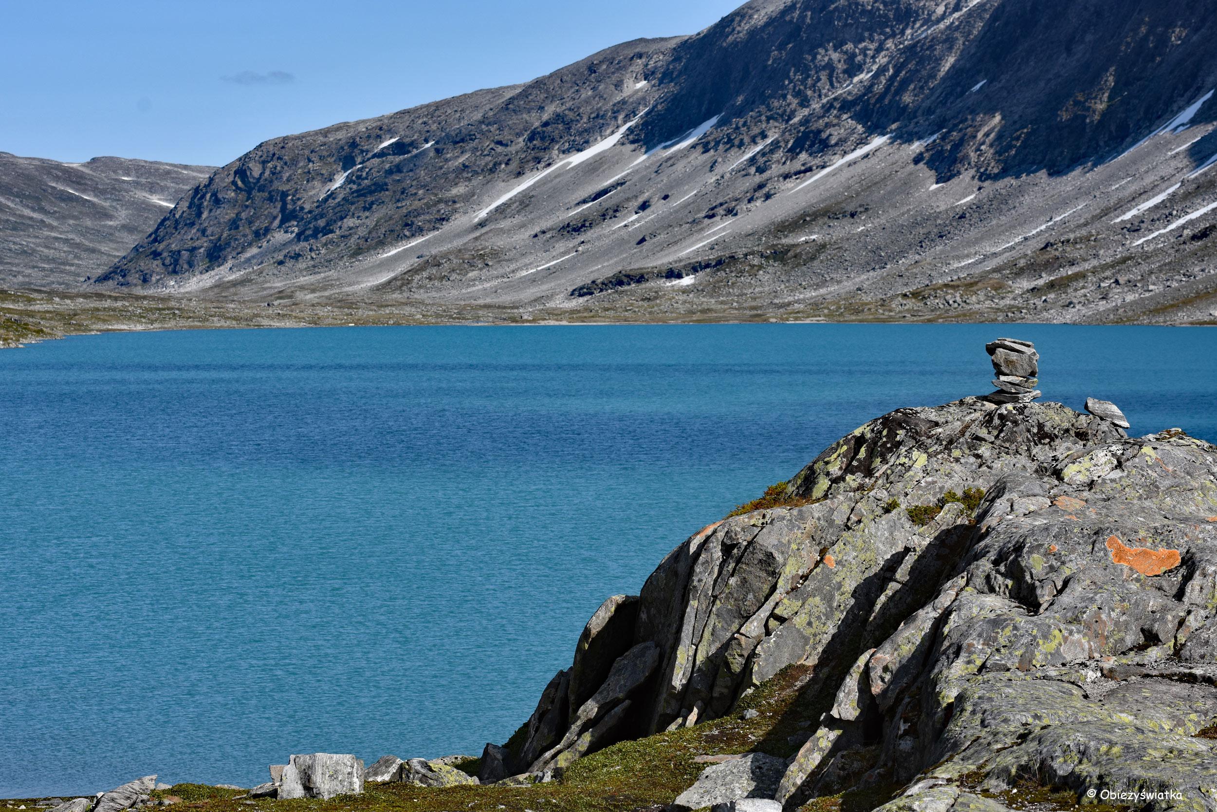 Błękitna woda i skały - Gamle Strynefjellsvegen, Norwegia