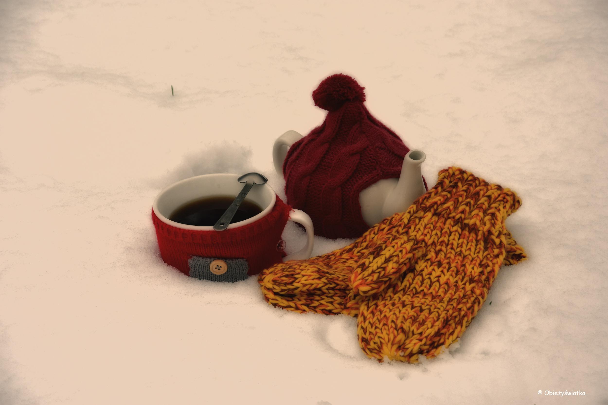 Imbryczek w kubraczku, kubek w sweterku - zima nam nie straszna