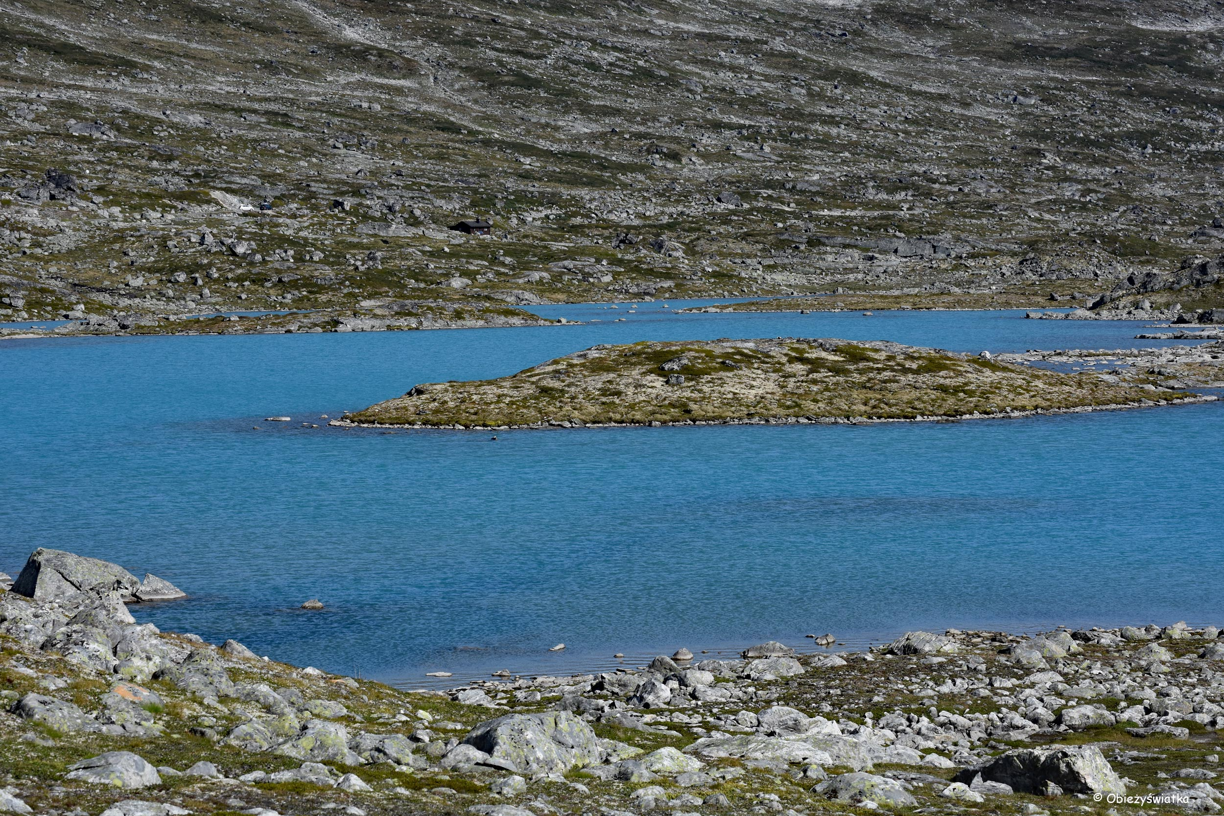 Błękit wody - Gamle Strynefjellsvegen, Norwegia