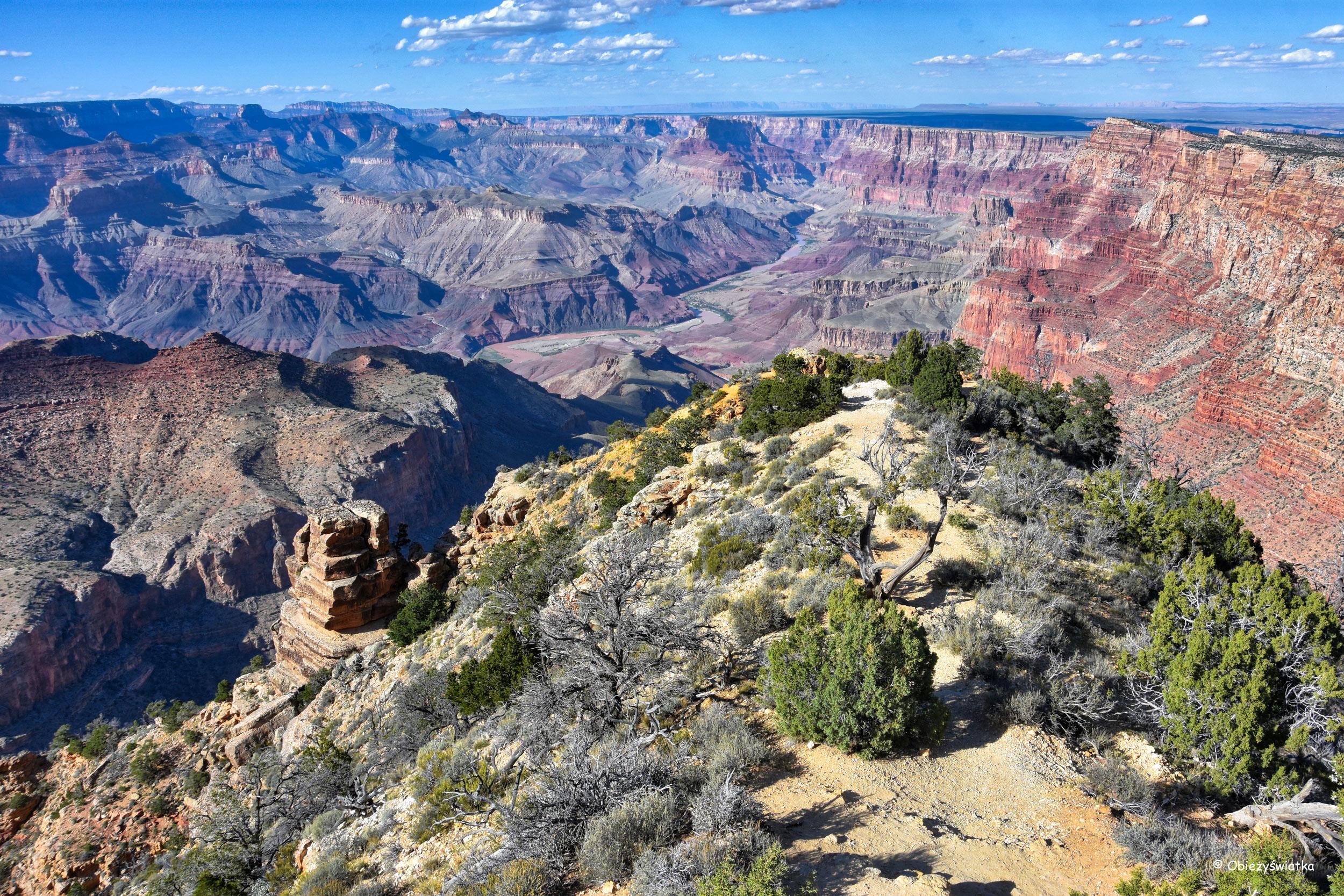 Wąske ścieżki i widoki zapierające dech w piersiach - Grand Canyon National Park, Arizona, USA