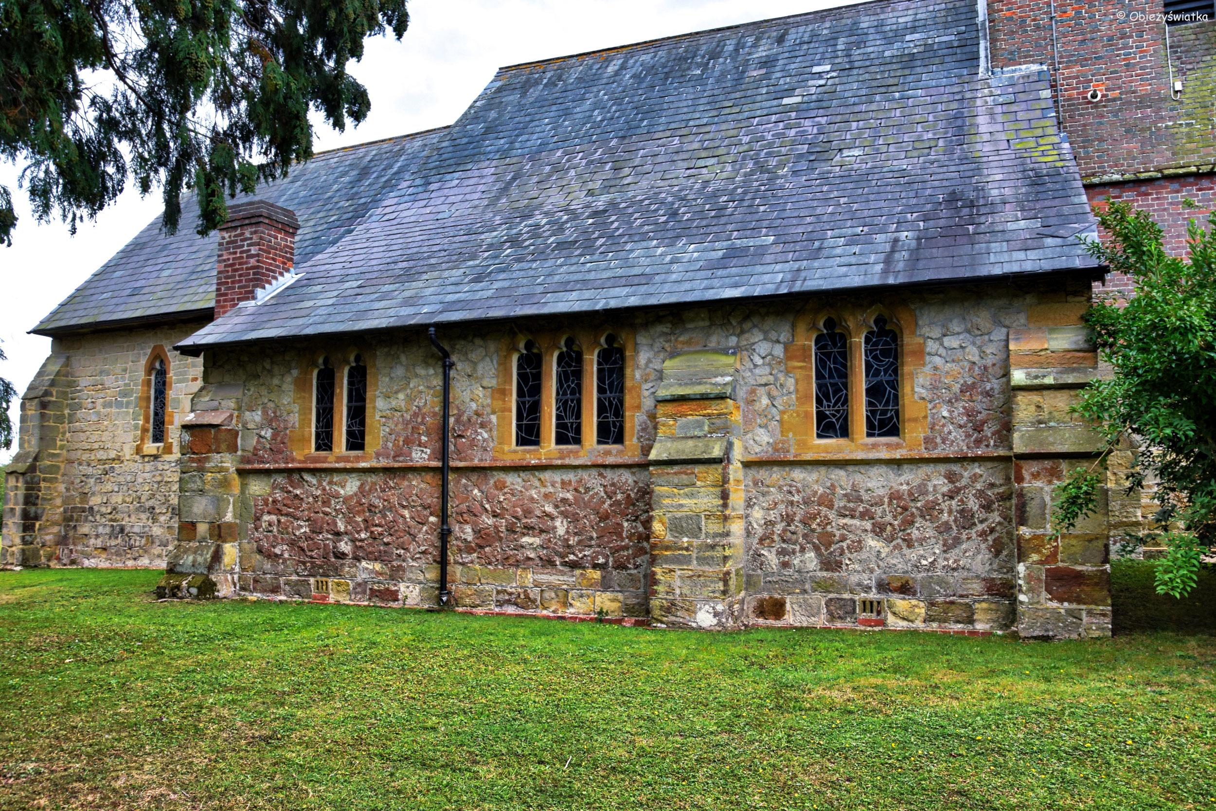 Kościółek w Tudeley, z witrażami Marca Chagalla, Wielka Brytania
