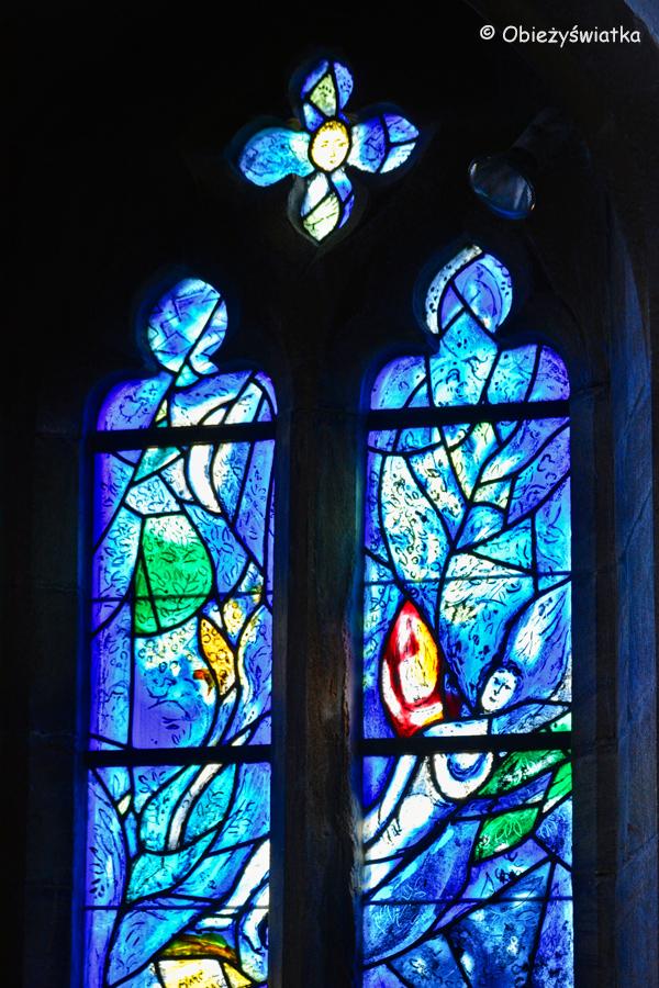 Witraże Marca Chagalla w kościółku w Tudeley, Wielka Brytania