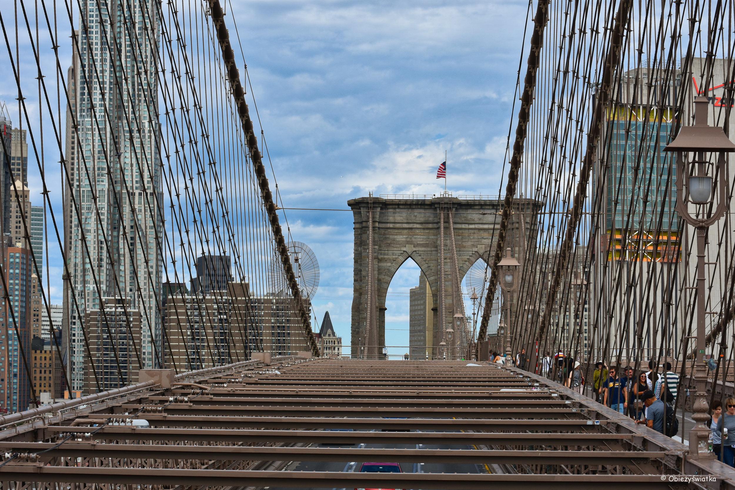 Most Brookliński - część dla samochodów