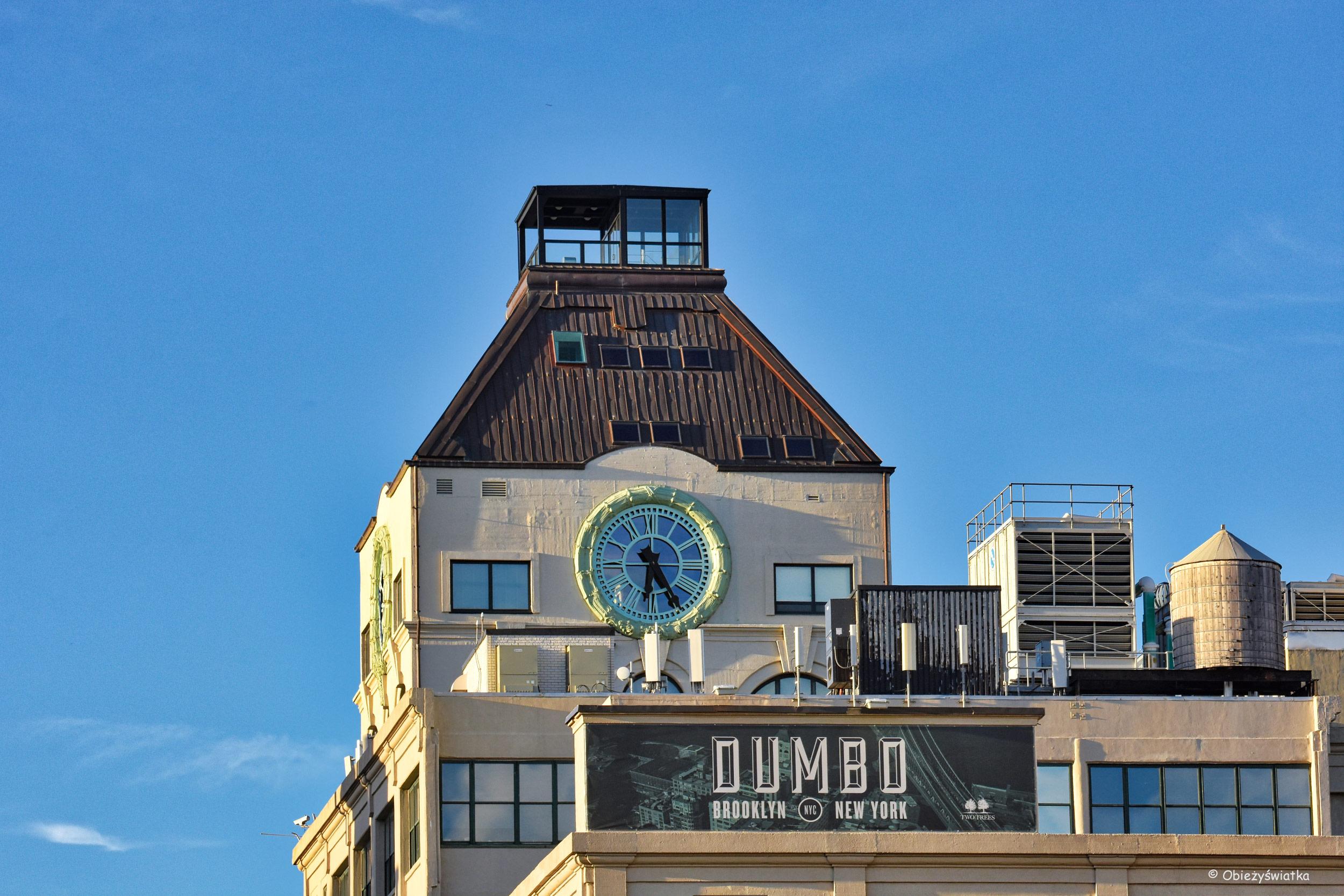 DUMBO - jeden z budynków w części miasta położonej między Brooklyn Bridge i Manhattan Bridge
