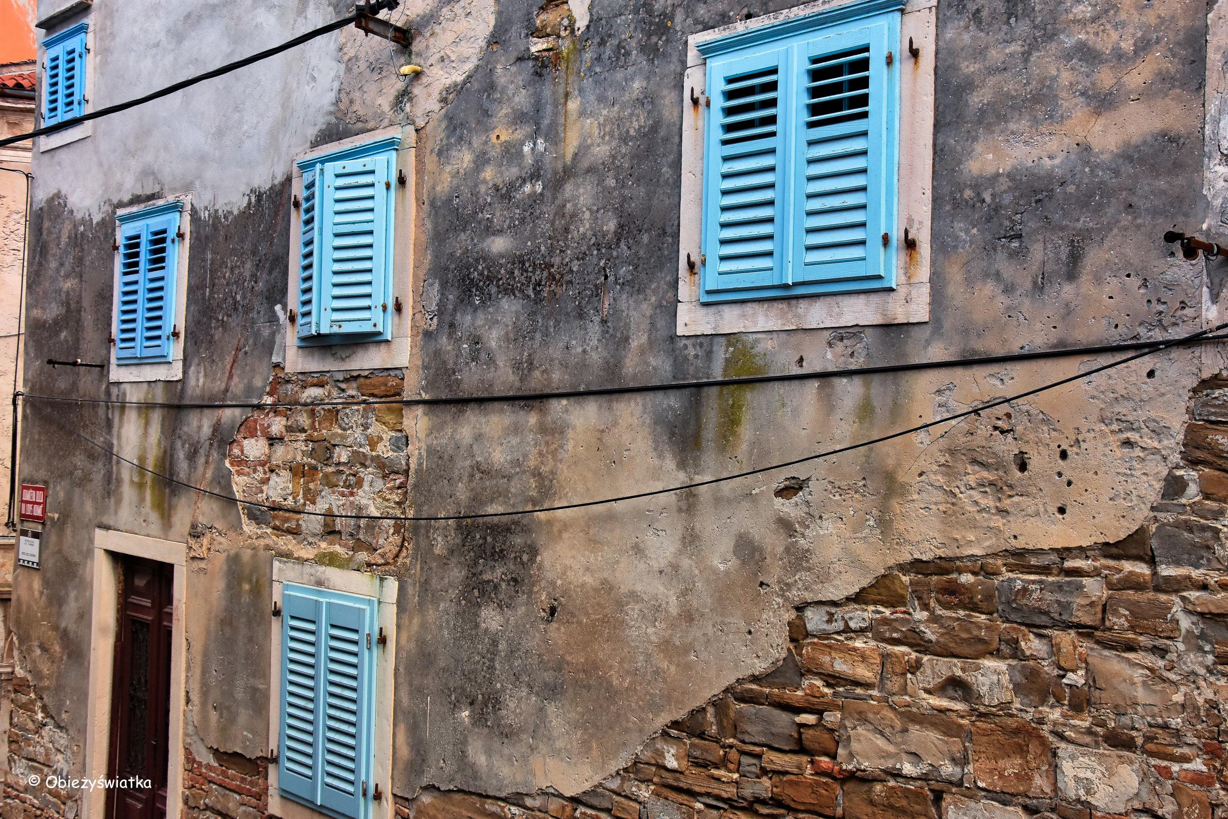 Niebieskie okiennice, Piran, Słowenia