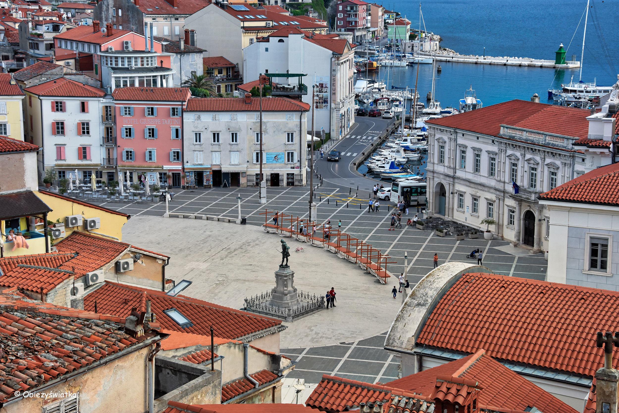 Widok na Piazza Tartini, Piran, Słowenia