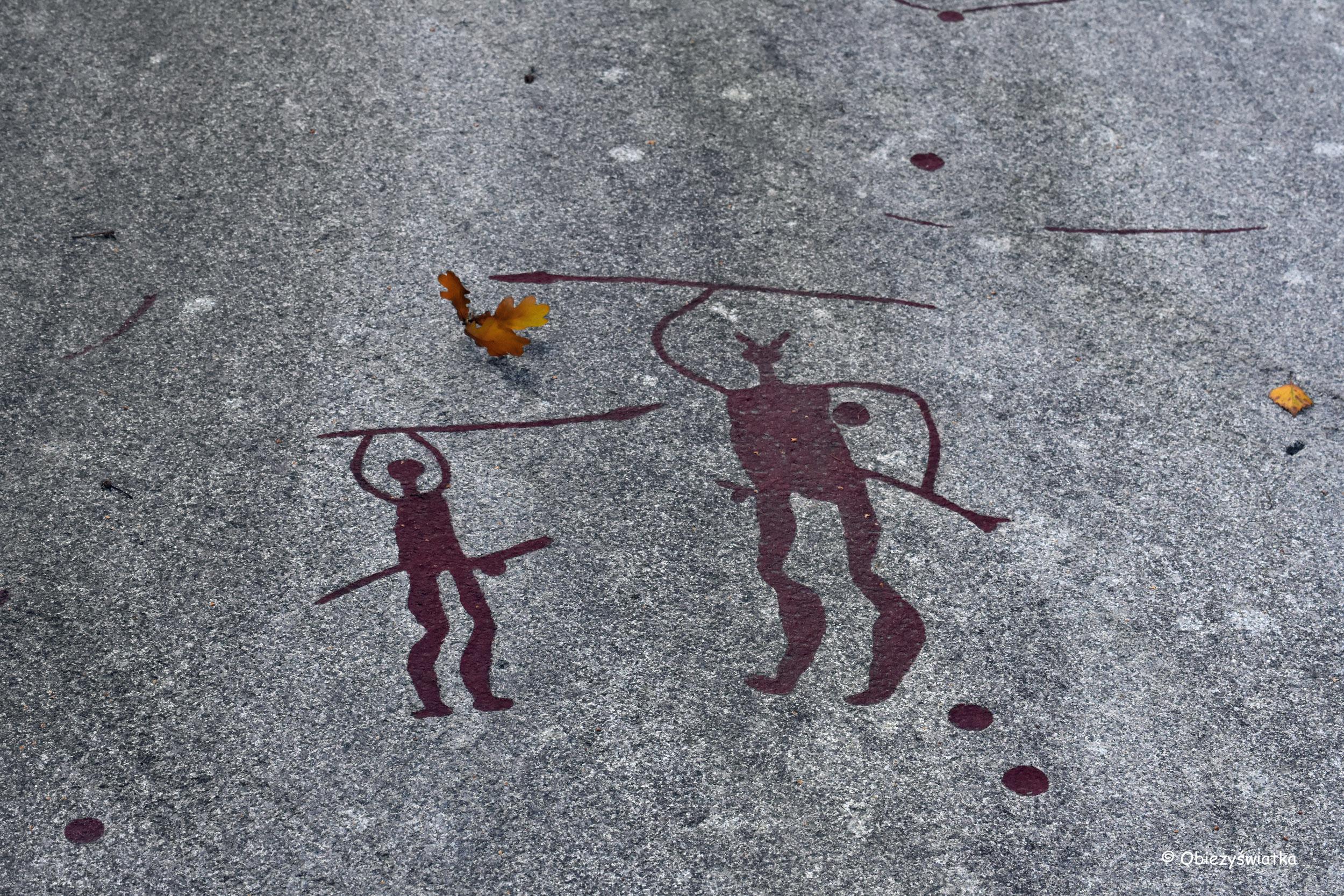 Jeden z przykładów prehistorycznej sztuki naskalnej w Tanumshede, Szwecja
