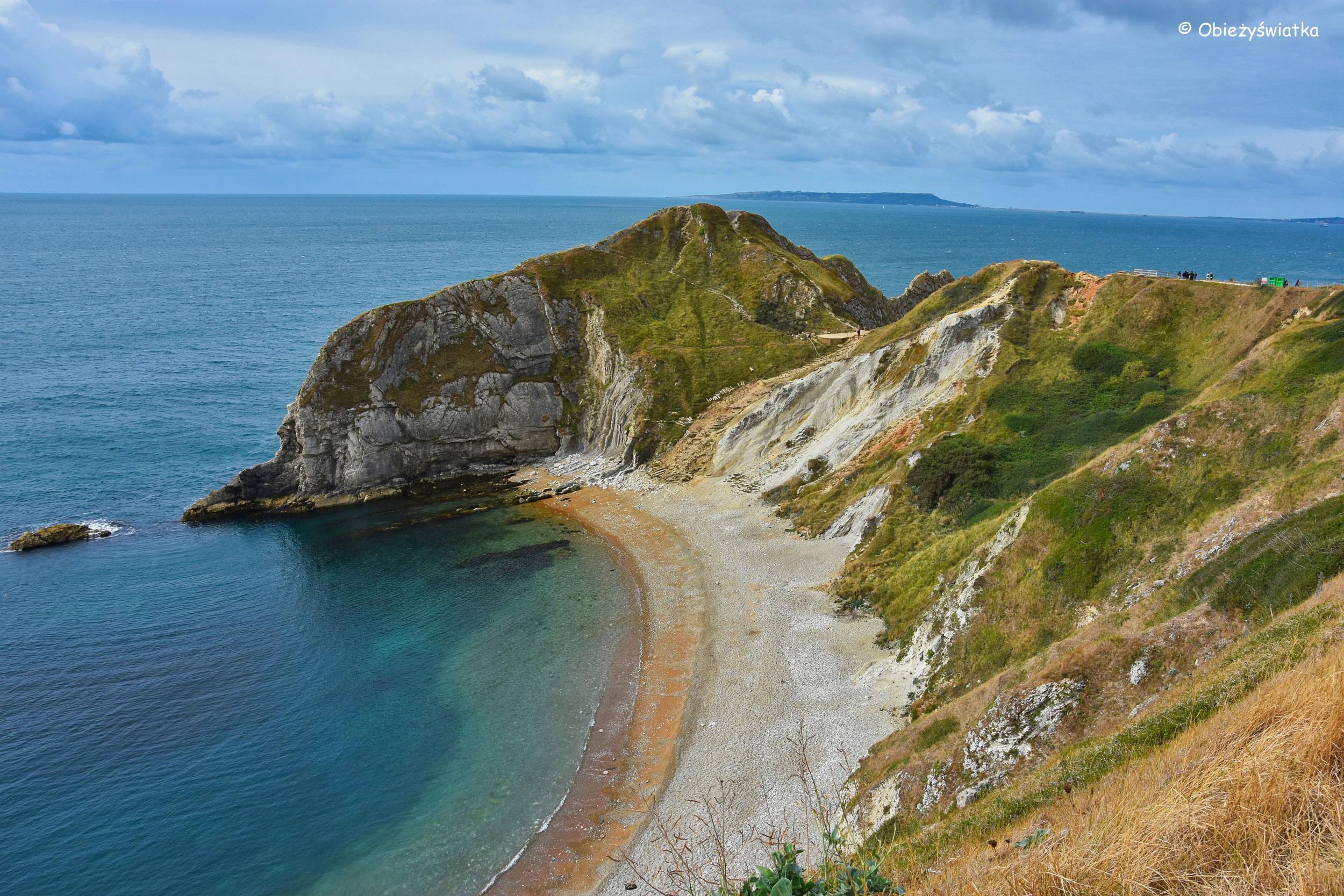 Błękit wody i biel klifów - Jurassic Coast, UK