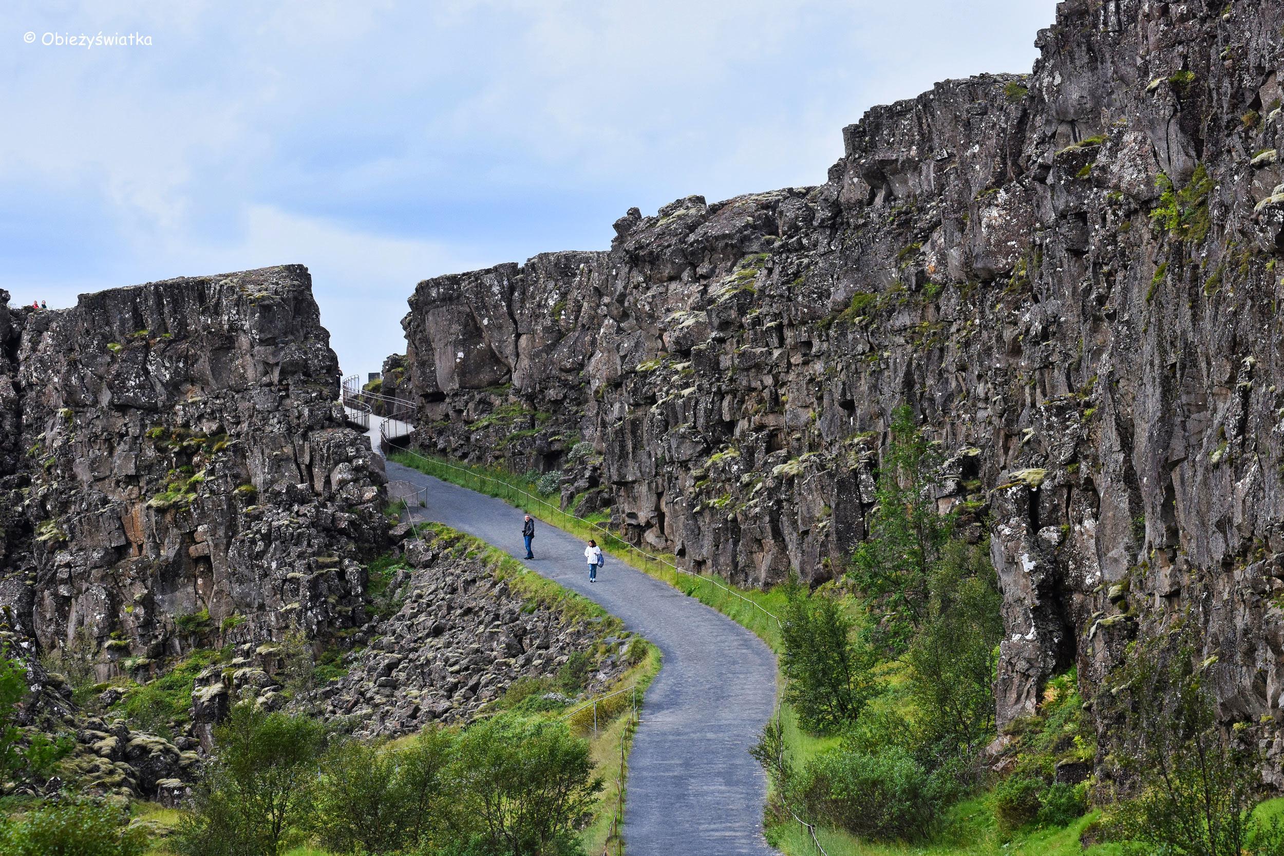 Þingvellir - w islandzkim parku narodowym