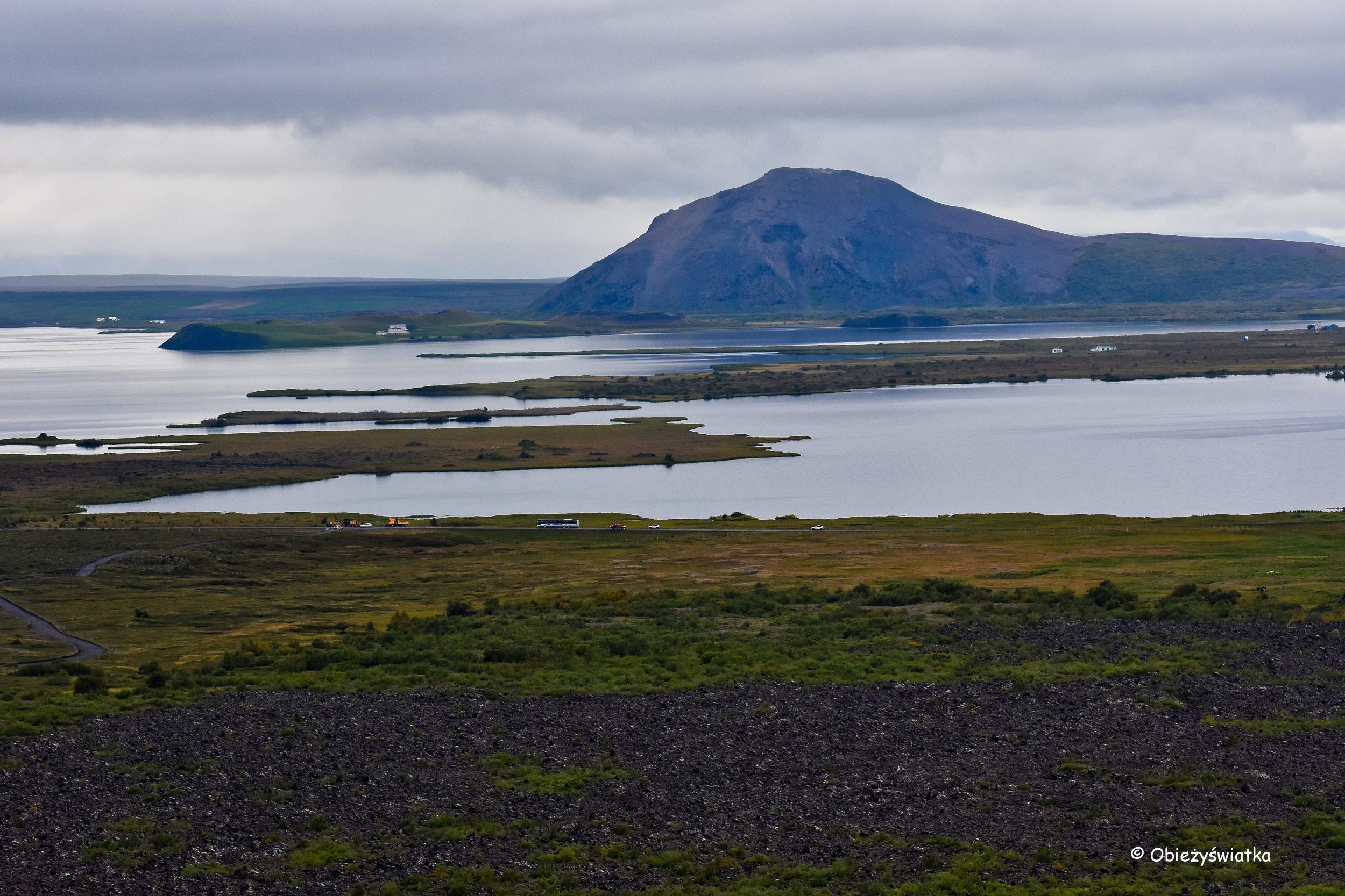 Jezioro Myvatn, widok z wulkanu Hverfjall, Islandia