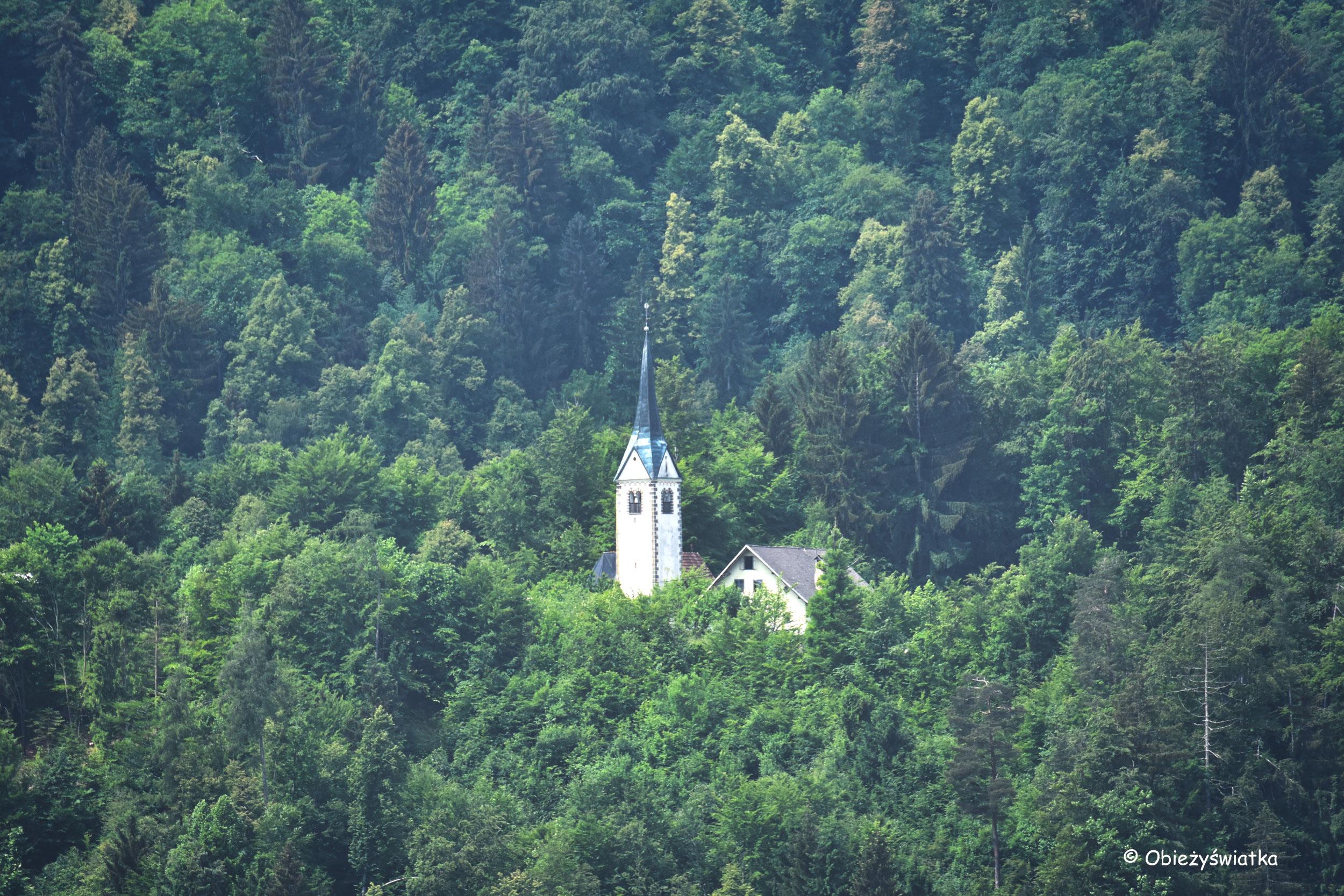 Kościół św. Lamberta, widok z Radovlijcy, Słowenia