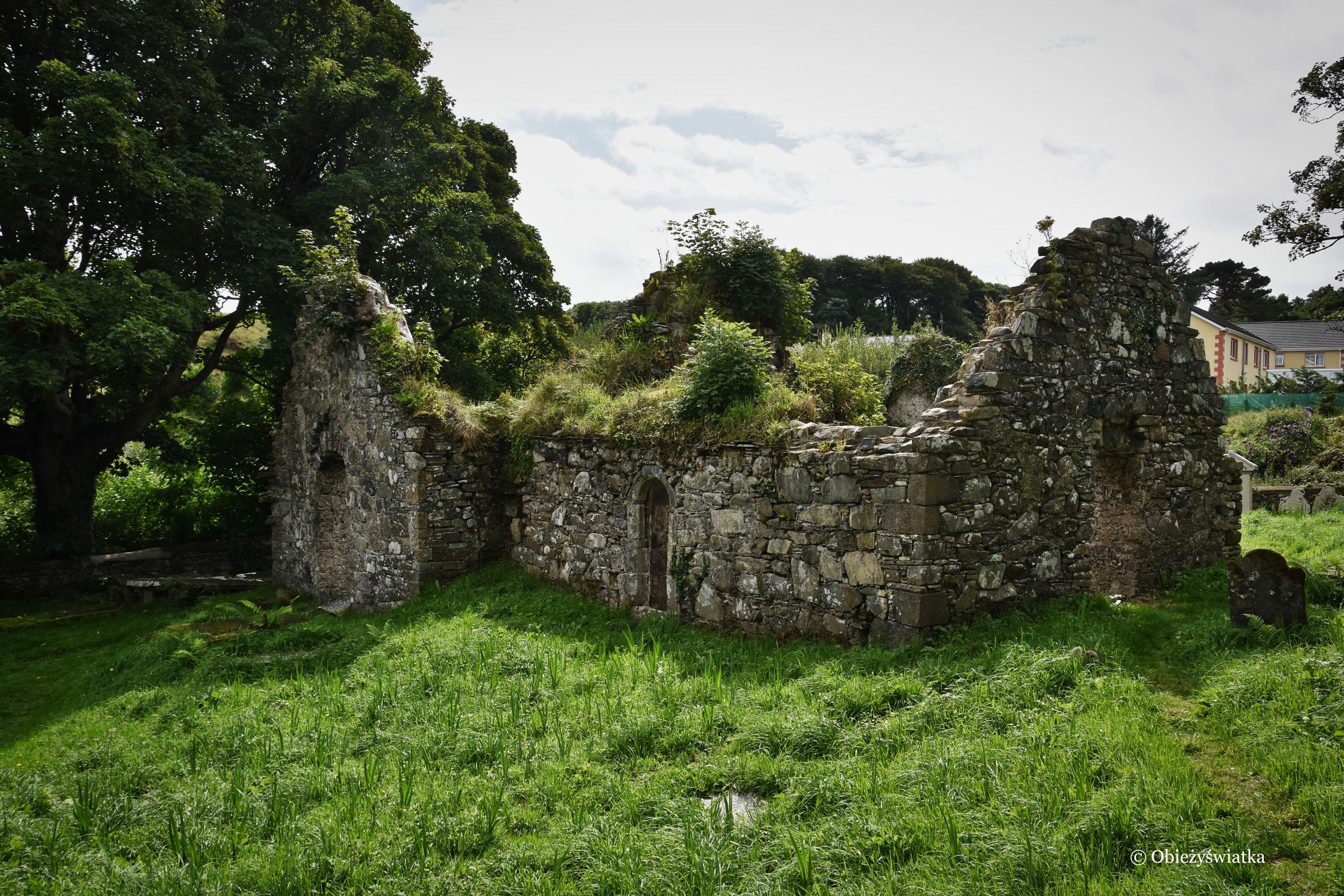Ruiny klasztoru i zamku w Killybegs, Irlandia