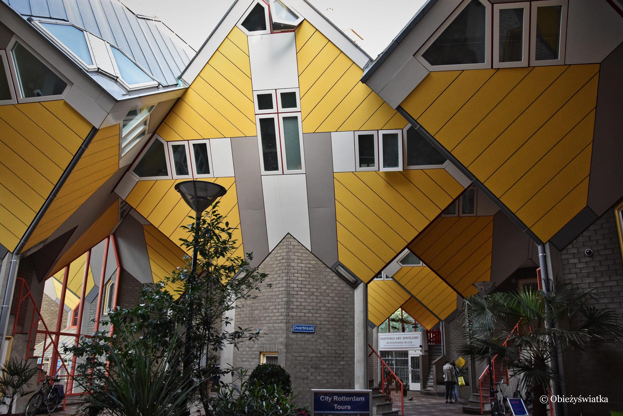 Pomysłowy kompleks mieszkalny w Rotterdamie - Cube Houses