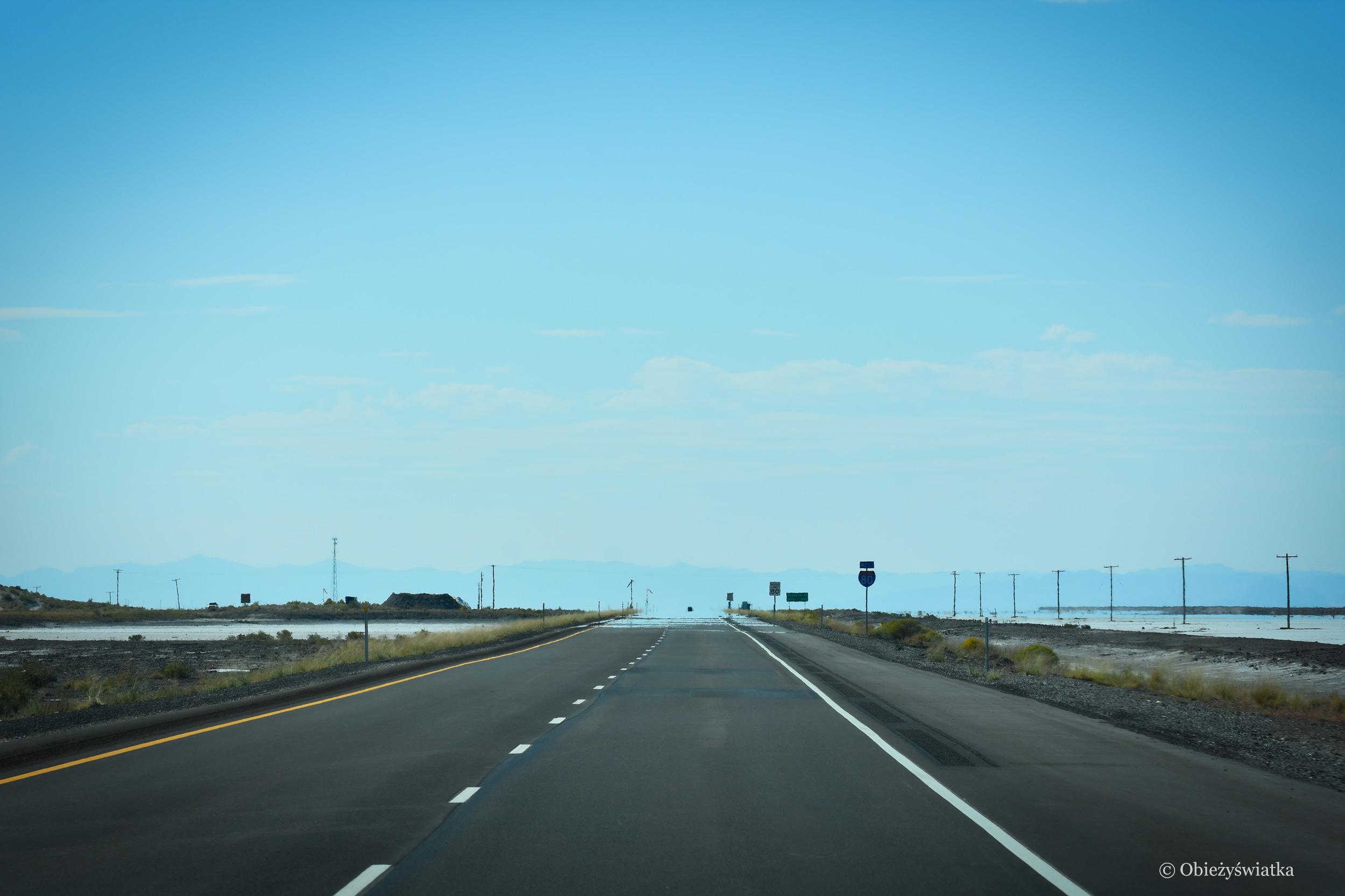 W drodze do słonej pustyni - Interstate 80, Utah