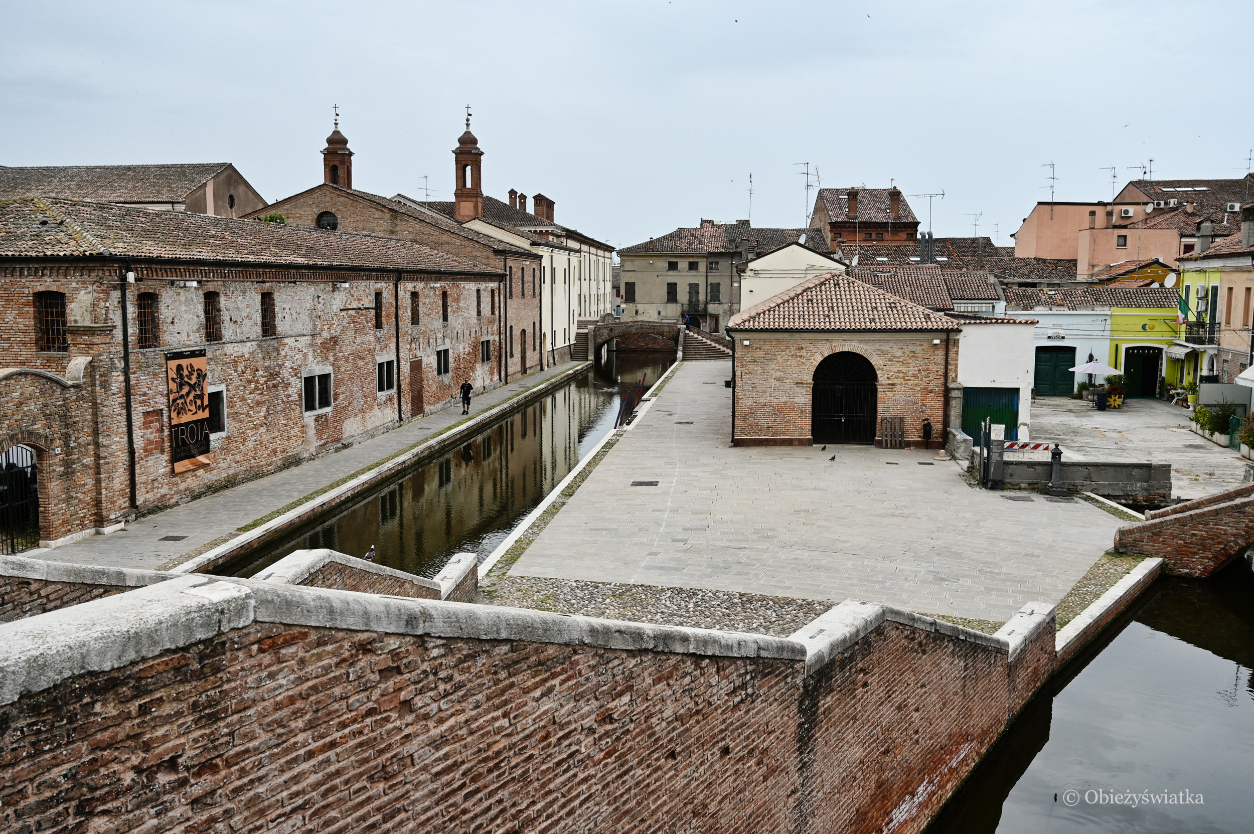 Comacchcio - widok na miasto z mostu Trepponti